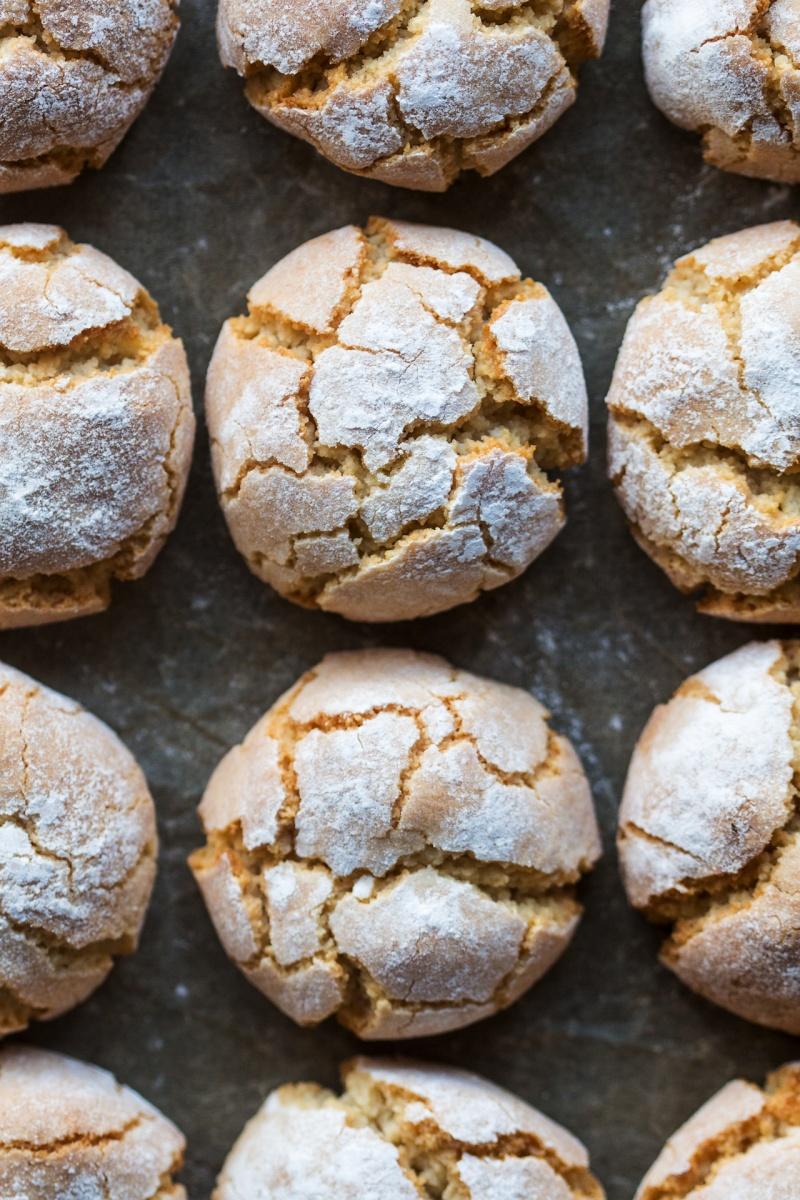 vegan amaretti cookies