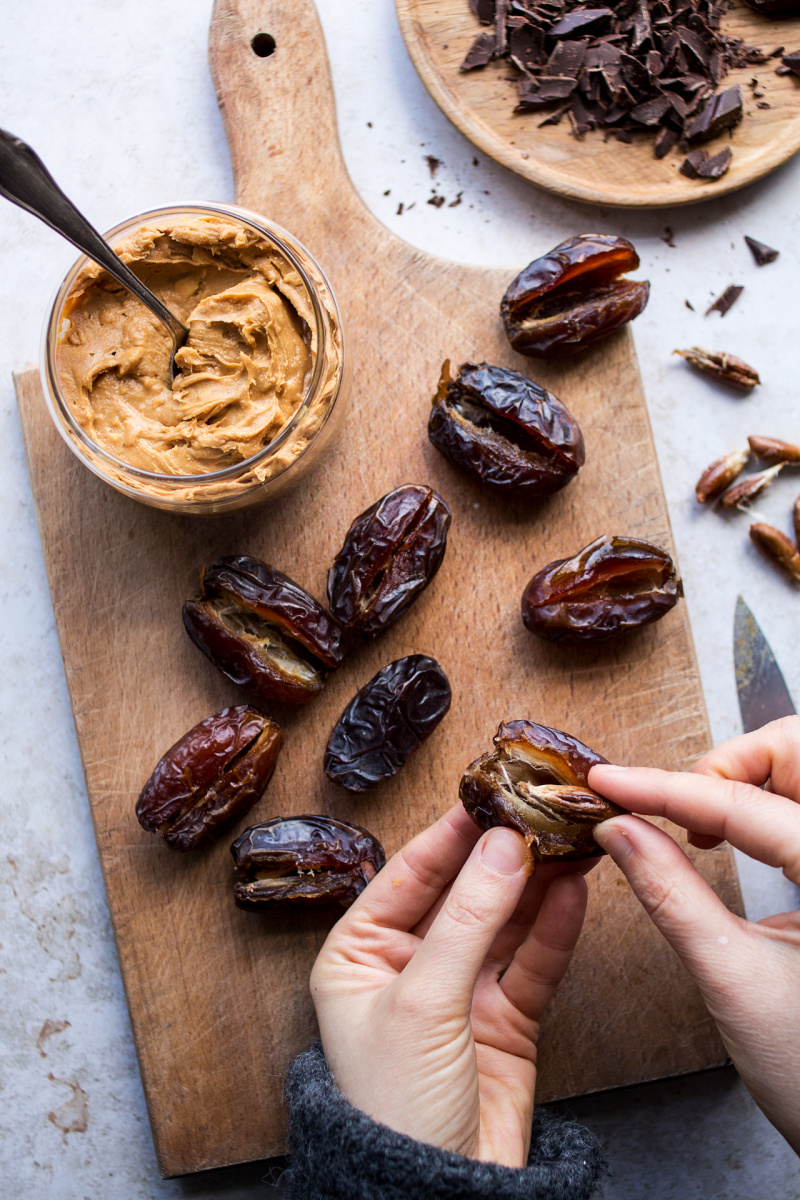 stuffed dates pitting
