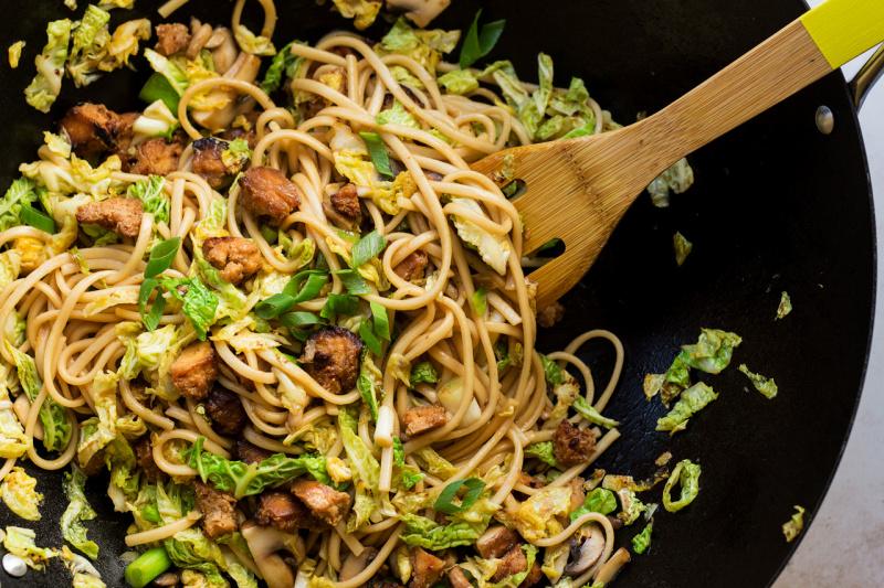 vegan udon noodles wok