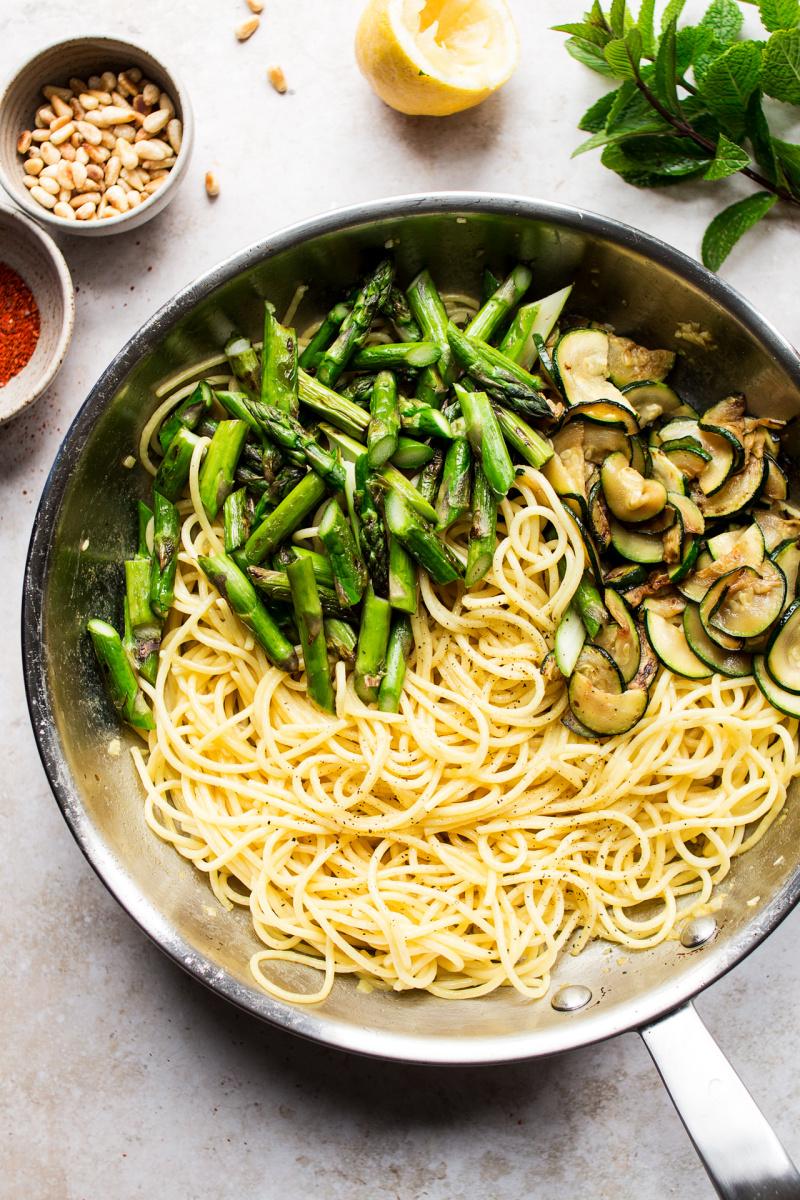 asparagus zucchini pasta pan