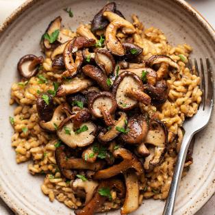 vegan mushroom risotto close