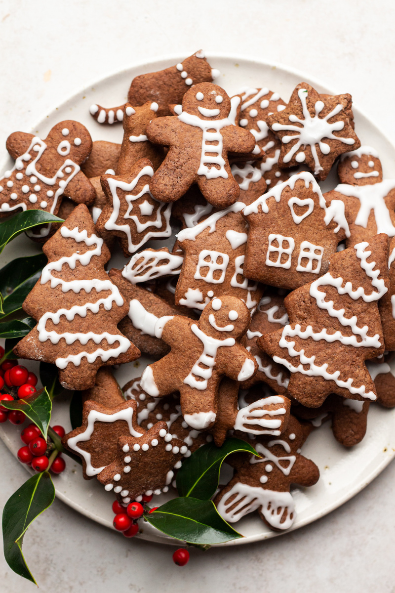 Soft vegan gingerbread cookies plate