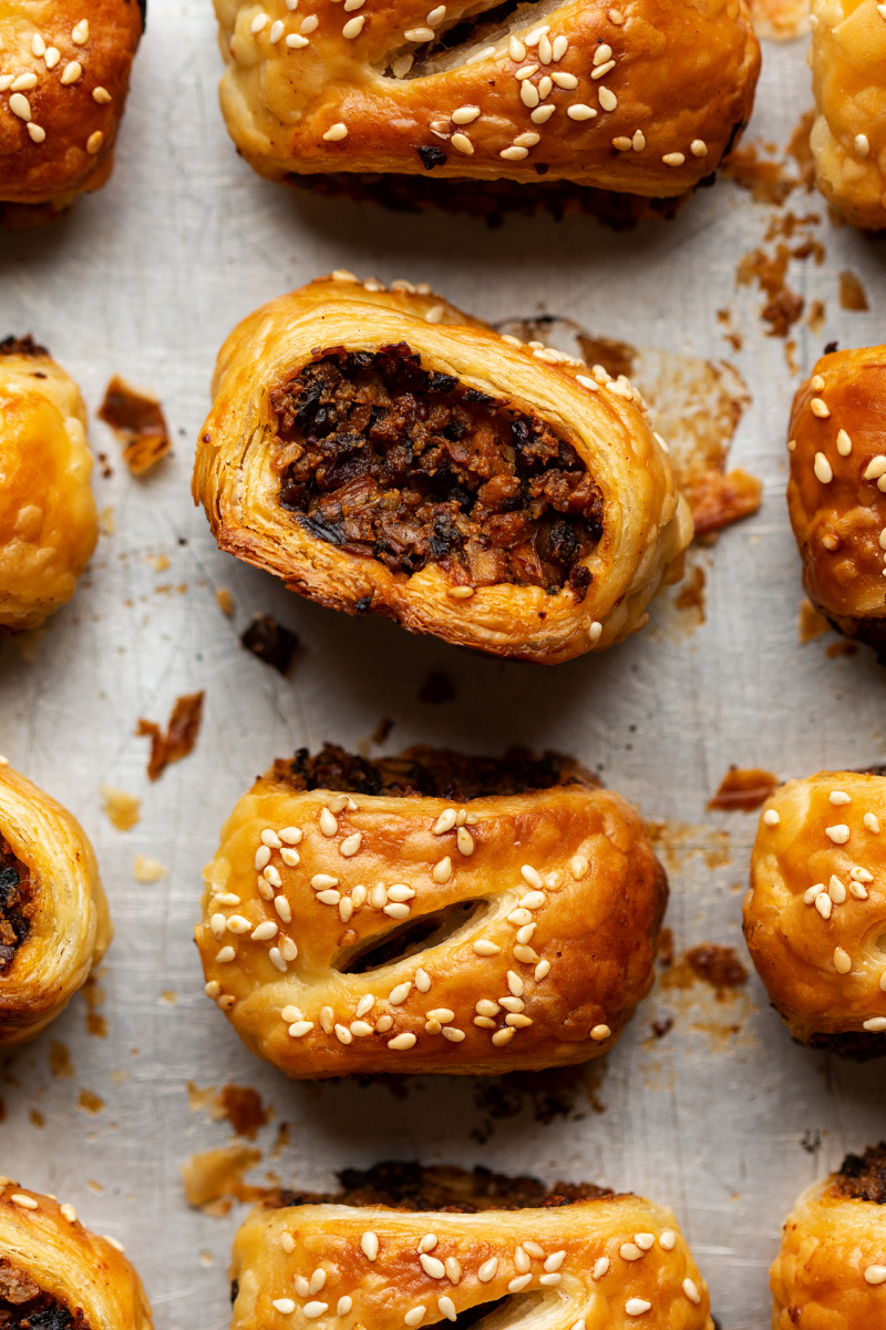 mini vegan sausage rolls