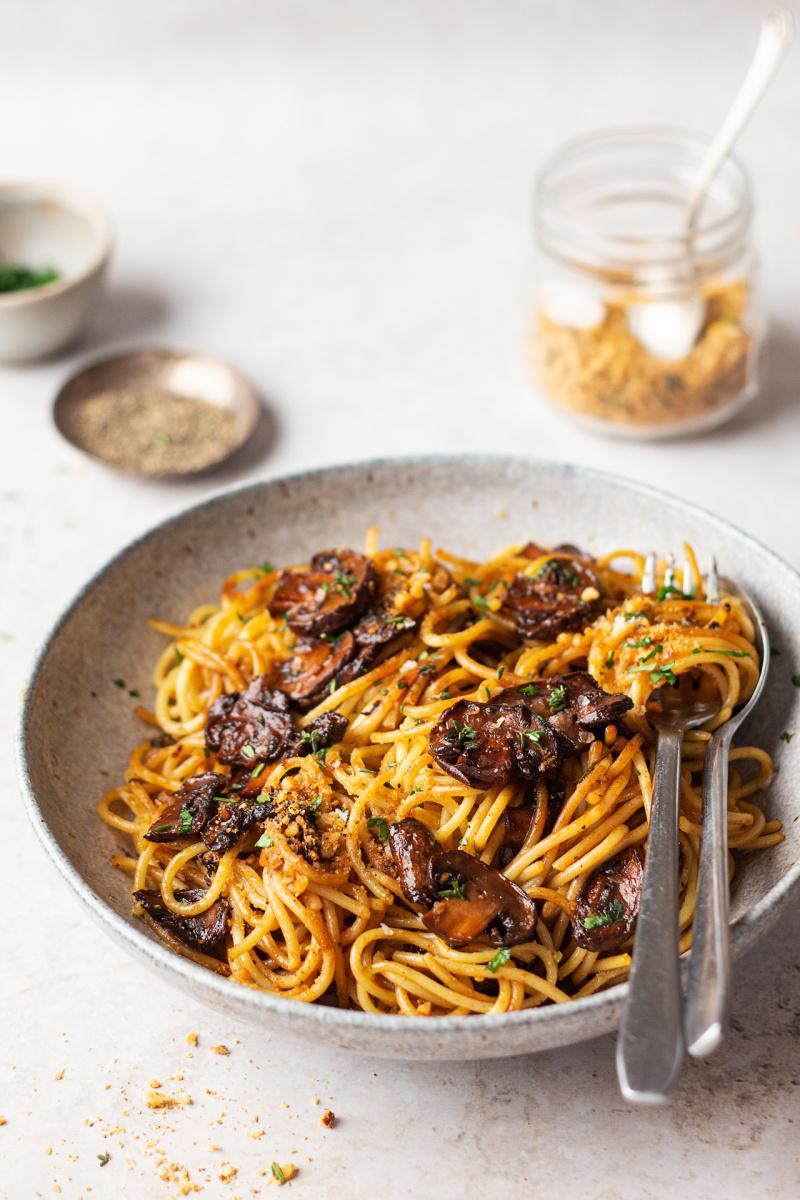 vegan balsamic mushroom pasta side