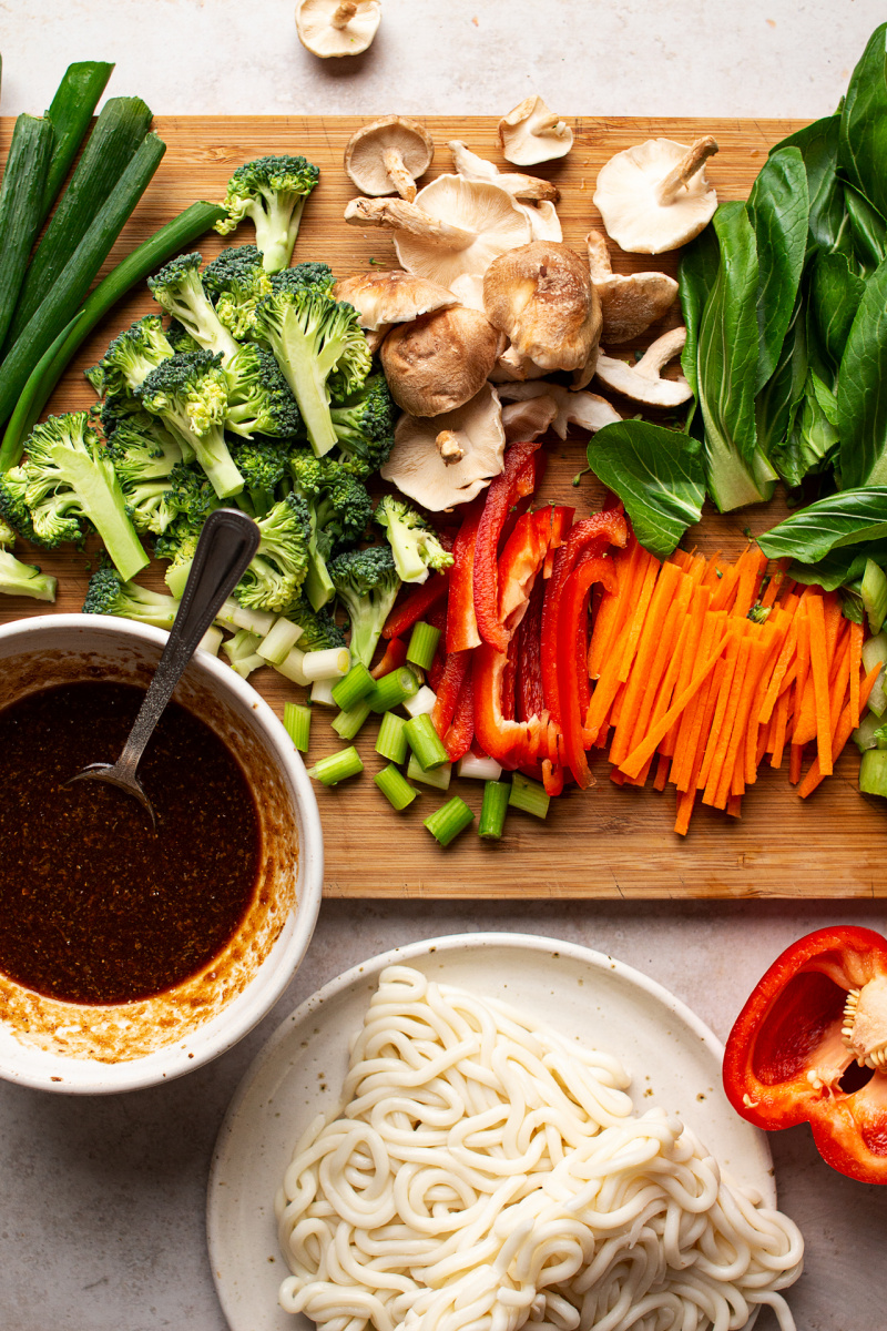 vegan yaki udon noodles ingredients
