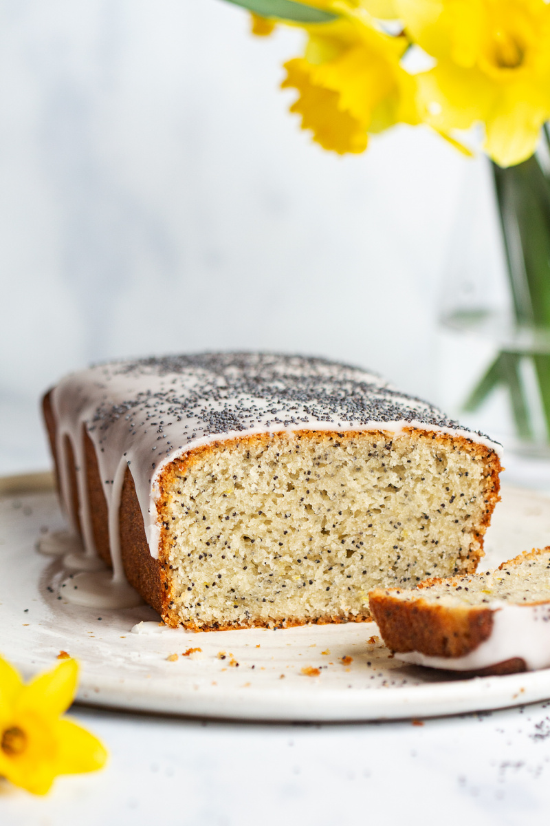 vegan lemon poppy seed cake cut