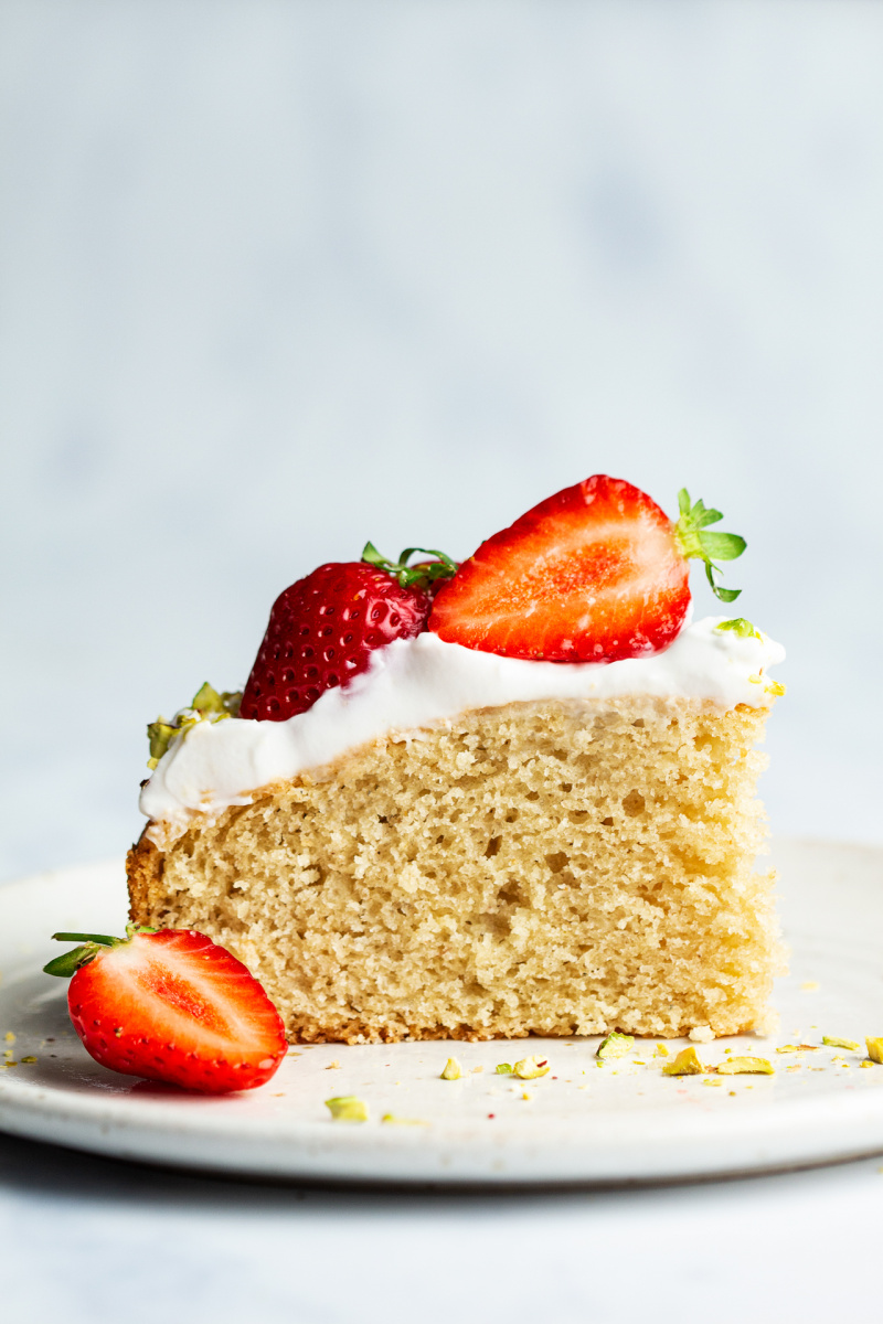 white chocolate vegan sponge strawberries slice