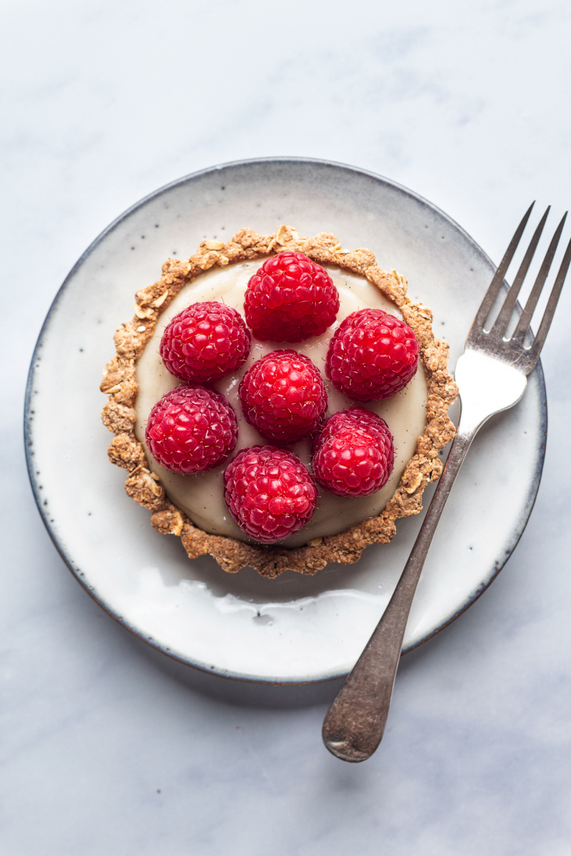 vegan white chocolate ganache tarts plate