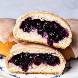 vegan jagodzianki blueberry bunscut open