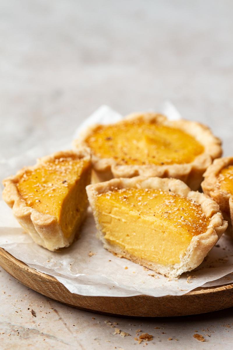 vegan custard tarts cut