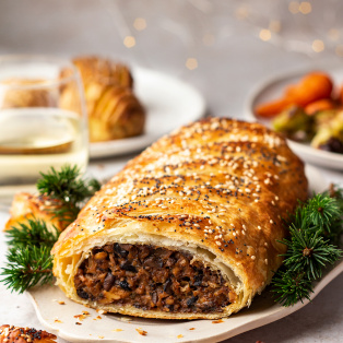 giant vegan sausage roll side