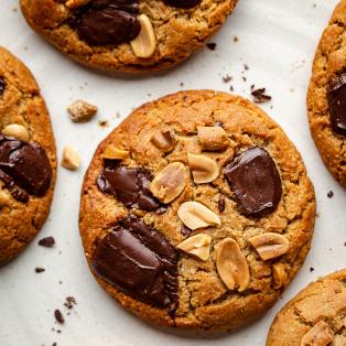vegan peanut butter cookies plate