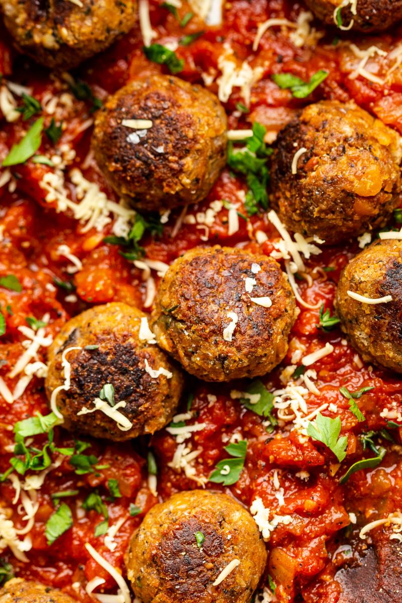 vegan meatballs tomato sauce close up