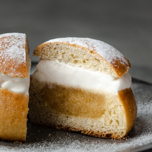vegan semla buns crosssection