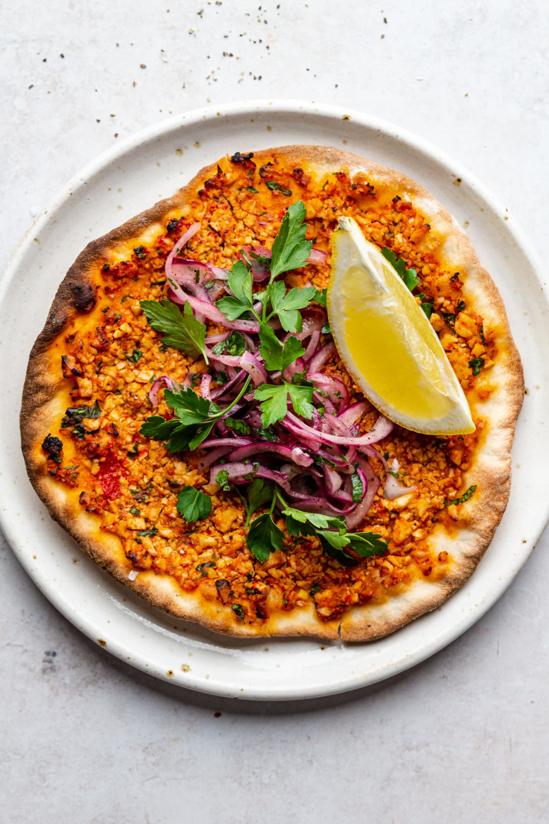 vegan turkish pizza lahmacun plate