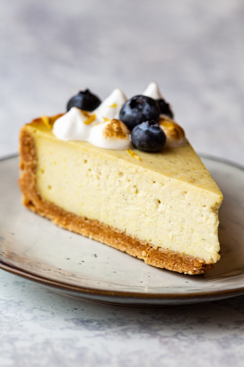 vegan lemon cheesecake slice