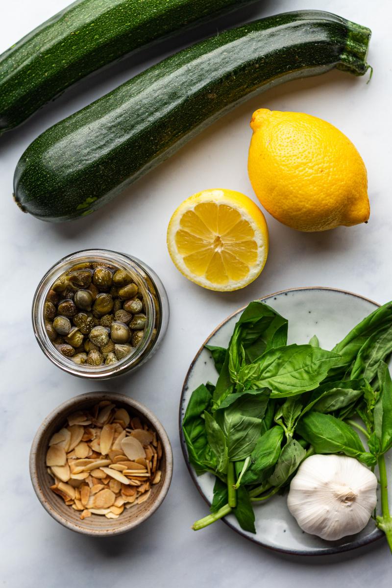 zucchini pasta sauce ingredients