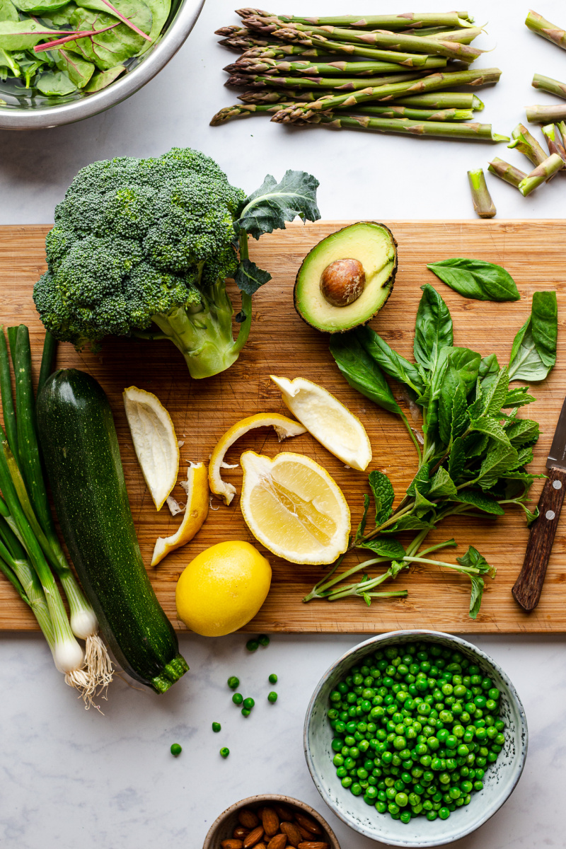 green vegan salad ingredients