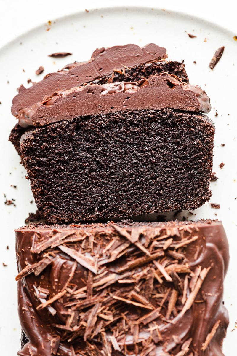 vegan beetroot chocolate cake top down