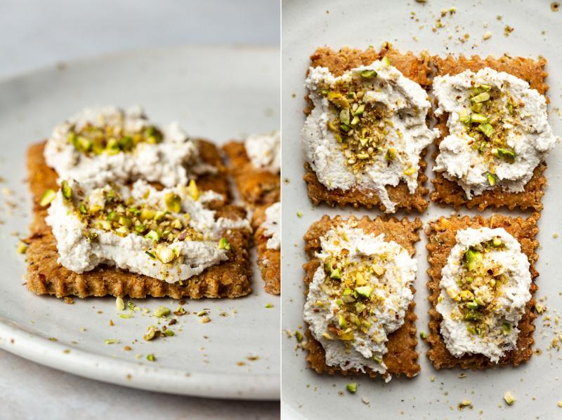 vegan-spelt-crackers-vegan-cheese-dukkah