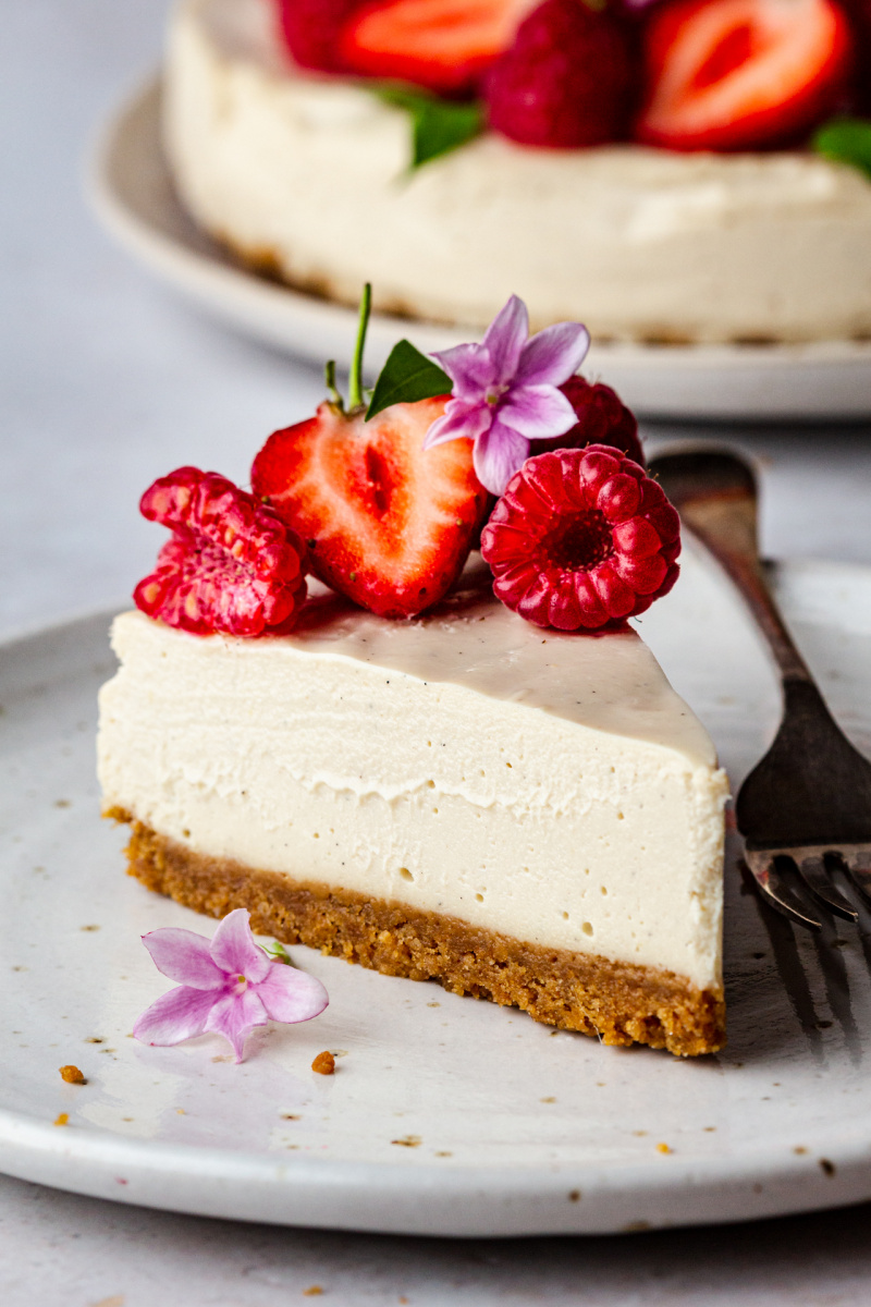 no bake vegan cheesecake slice